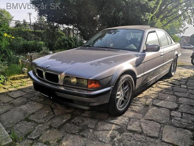BMW E38 740i - 2/6