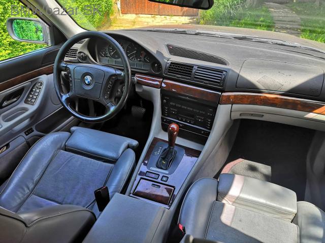BMW E38 740i - 4/6